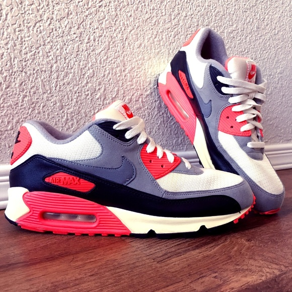 Nike Celebrates The 25th Anniversary Air Max 90 Special